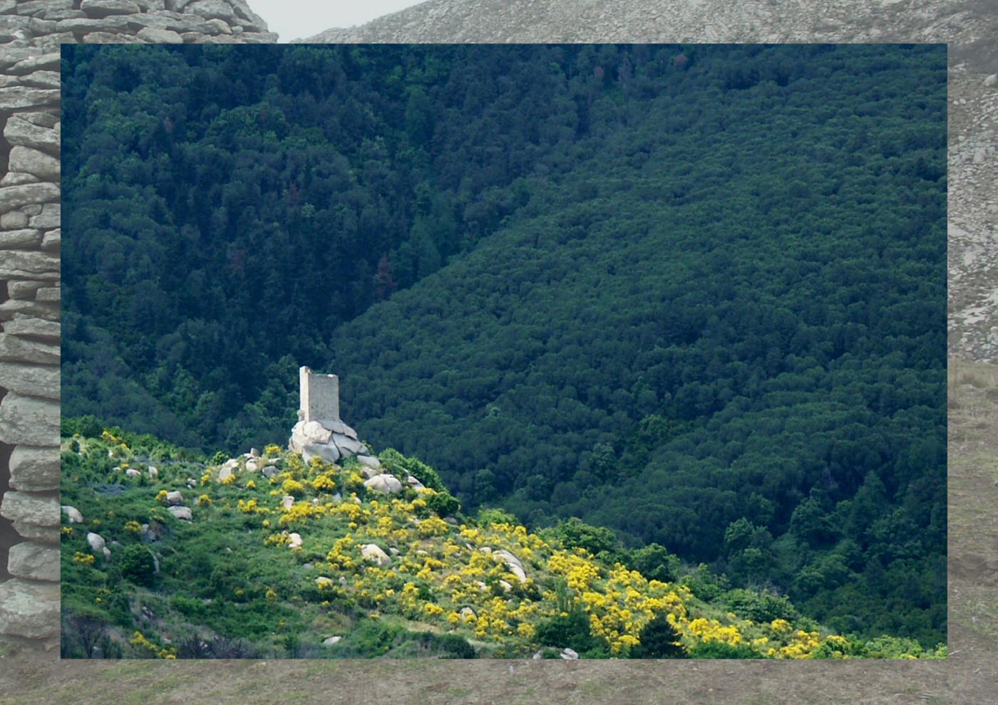 L'Elba tra il Granito e il Cielo    (Elbareport editore - 2005)