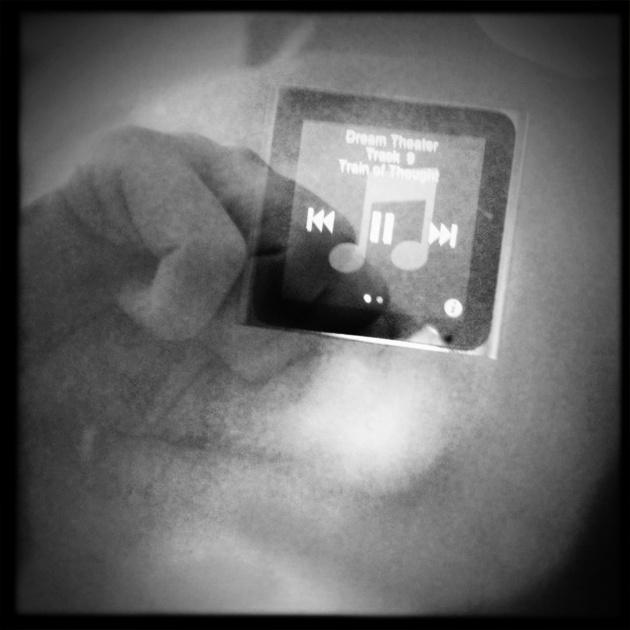 iPod/cuore - Questione di musica. Servono poche parole e molto cuore.